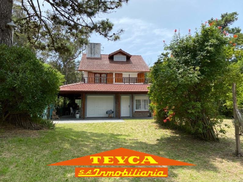 Foto Casa en Alquiler en  Ostende ,  Costa Atlantica  Peru 443 e/ Madero y Romero