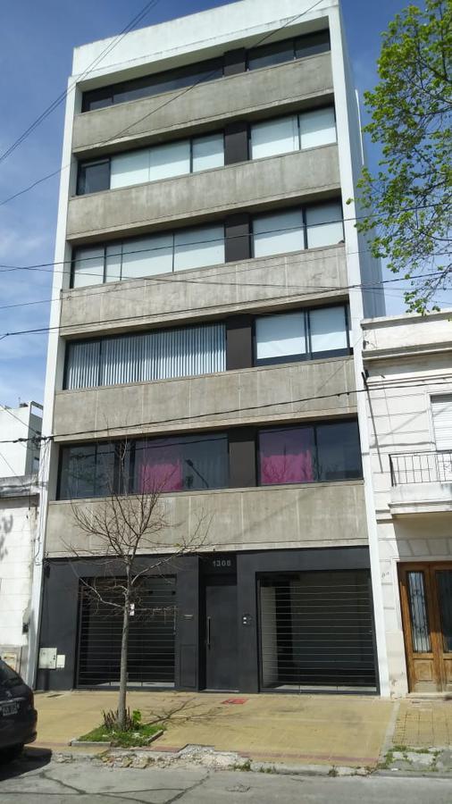 Foto Departamento en Alquiler en  La Plata,  La Plata  38 e/ 21 y 22