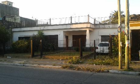 Foto Casa en Venta en  Valentin Alsina,  Lanus  SENADOR QUINDIMIL 3500