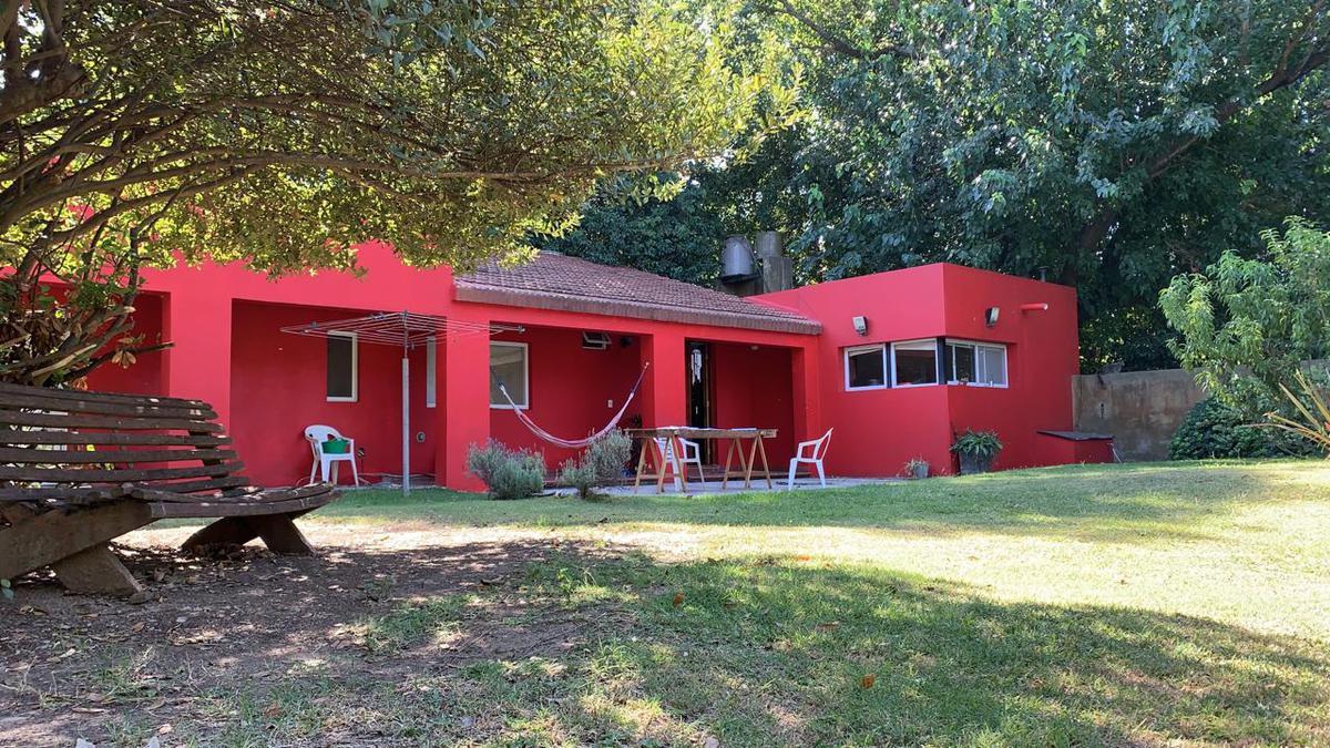 Foto Casa en Venta en  Funes ,  Santa Fe  Bordabehere al 2200