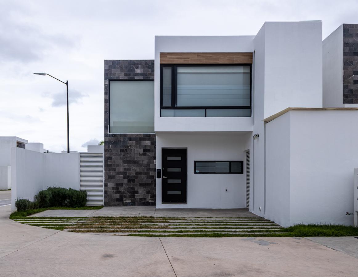 Foto Casa en Renta en  Pozos Residencial,  San Luis Potosí  Casa en renta en privada Altania residencial.