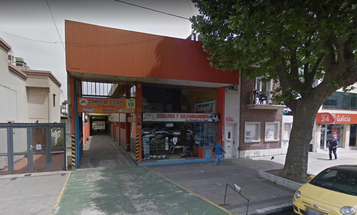 Foto Local en Alquiler en  La Plata,  La Plata  13 e/ 45 y 46