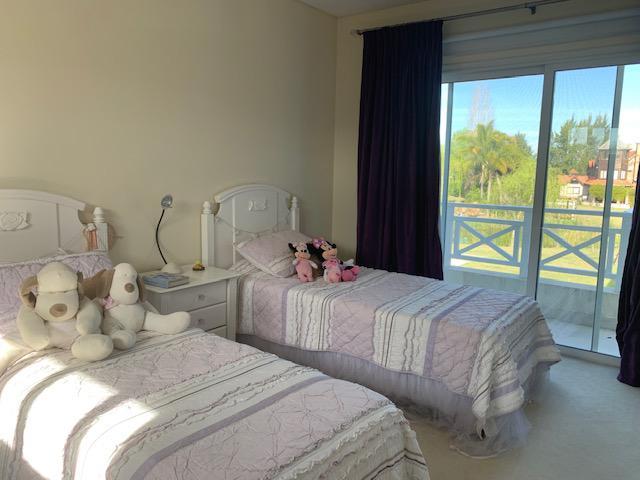Foto Casa en Alquiler en  Los Castores,  Nordelta  ALQUILER CASA AL AGUA totalmente equipada y amueblada. NORDELTA