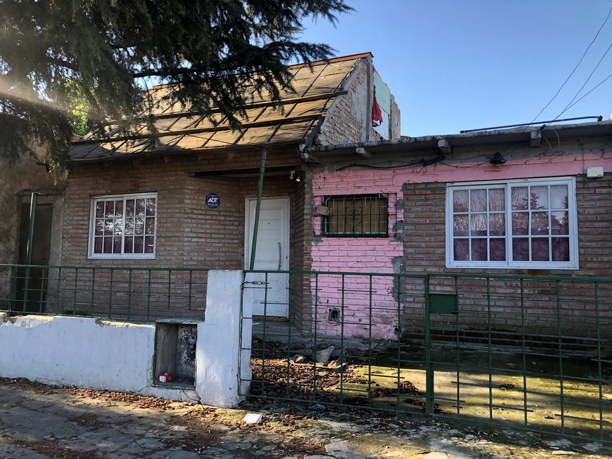 Foto Casa en Venta en  San Antonio De Padua,  Merlo  Pueyrredon al 2900