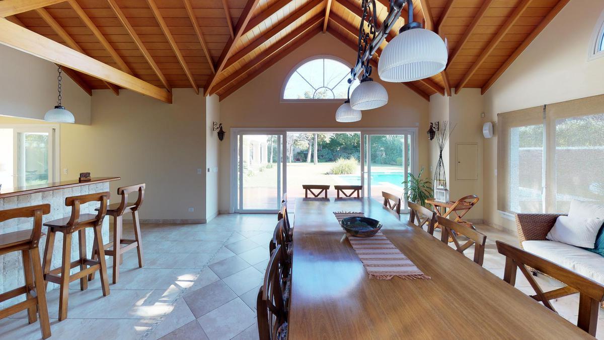 Foto Casa en Venta en  Mart.-Libert./Rio,  Martinez  Aristóbulo del Valle al 1300