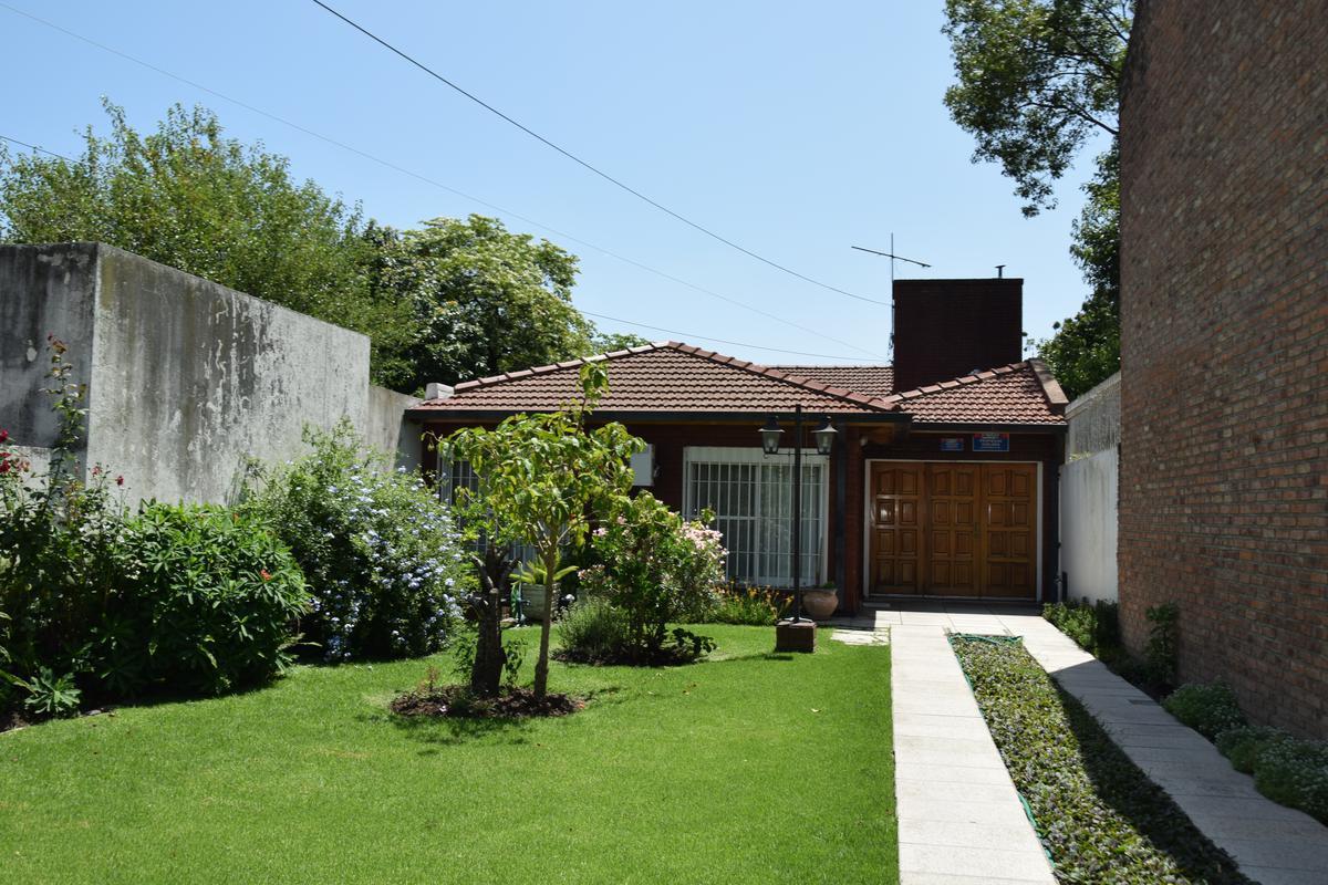 Foto Casa en Venta en  Centro (Moreno),  Moreno  Dorrego al 2800