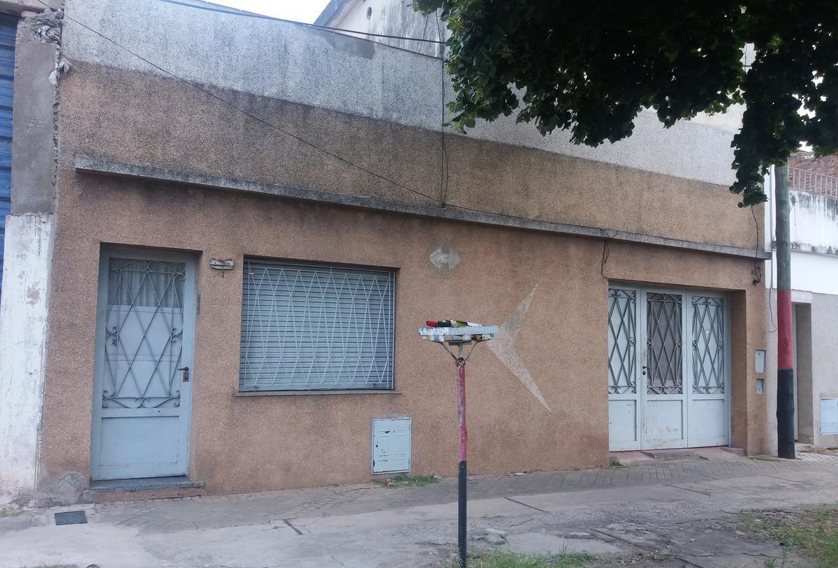 Foto Casa en Venta en  Macrocentro,  Rosario  Biedma 2100
