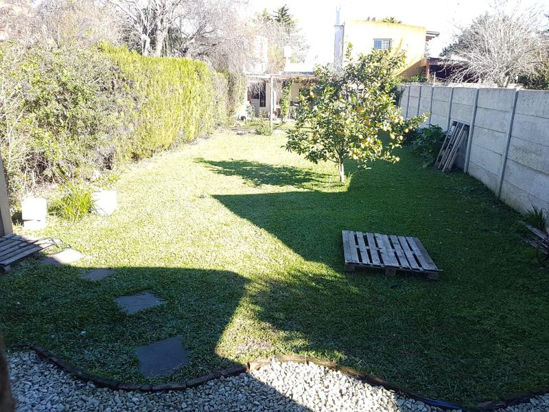 Foto Casa en Venta en  Villa Parque Sicardi,  La Plata  8 entre 656 y 657