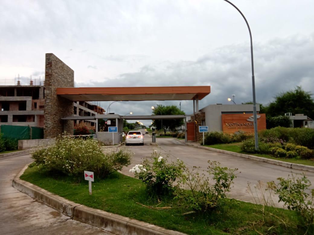 Foto Casa en Venta en  Valle Escondido,  Countries/B.Cerrado (Cordoba)  Hermosa Casa de 3 Dormitorios - 3 Baños - Santina Norte