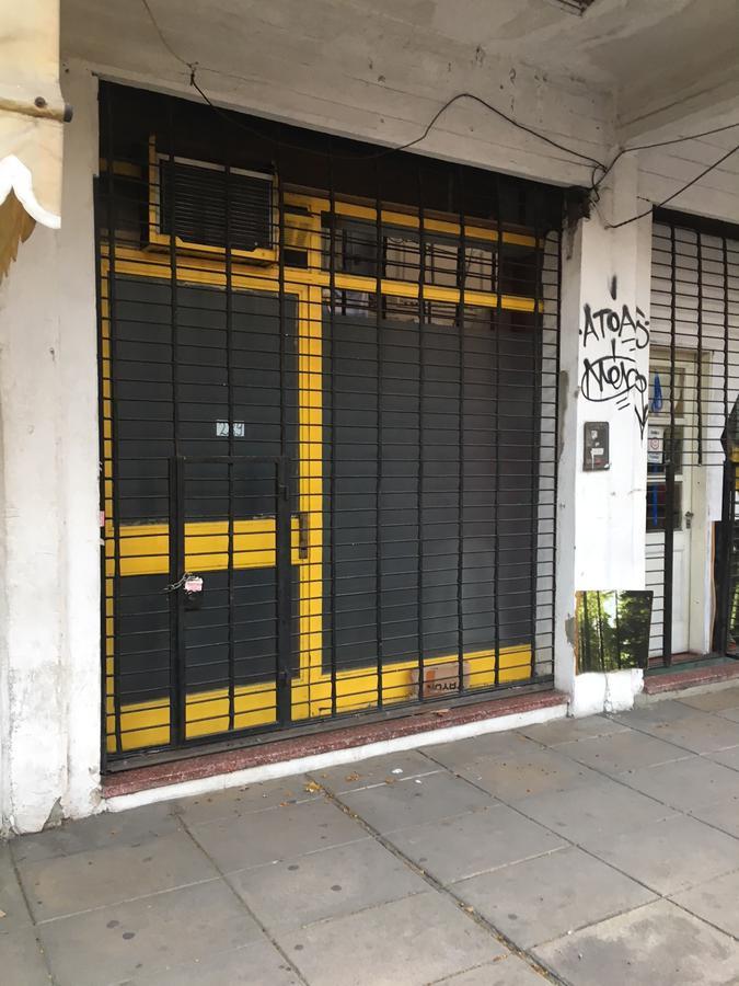 Foto Local en Venta en  San Fernando ,  G.B.A. Zona Norte  peron al 200