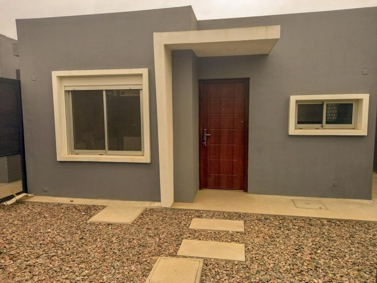 Foto Casa en Venta en  Solymar ,  Canelones  Sobre Av. Giannattasio