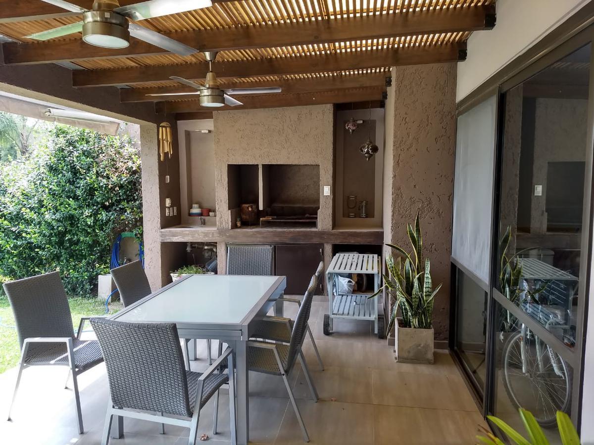 Foto Casa en Venta en  Jardin Claret,  Cordoba  De Los Extremeños al 700