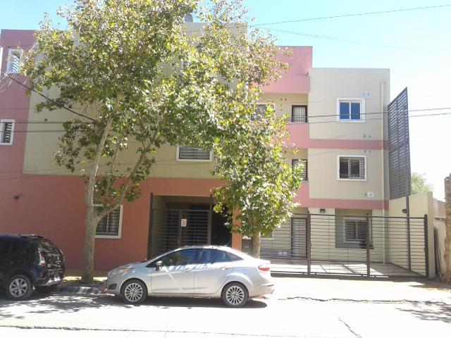 Foto Departamento en Alquiler en  Trinidad,  Capital  Tucumán al 1100