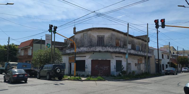Foto Casa en Venta |  en  Valentin Alsina,  Lanus  ENRIQUE FERNANDEZ 600