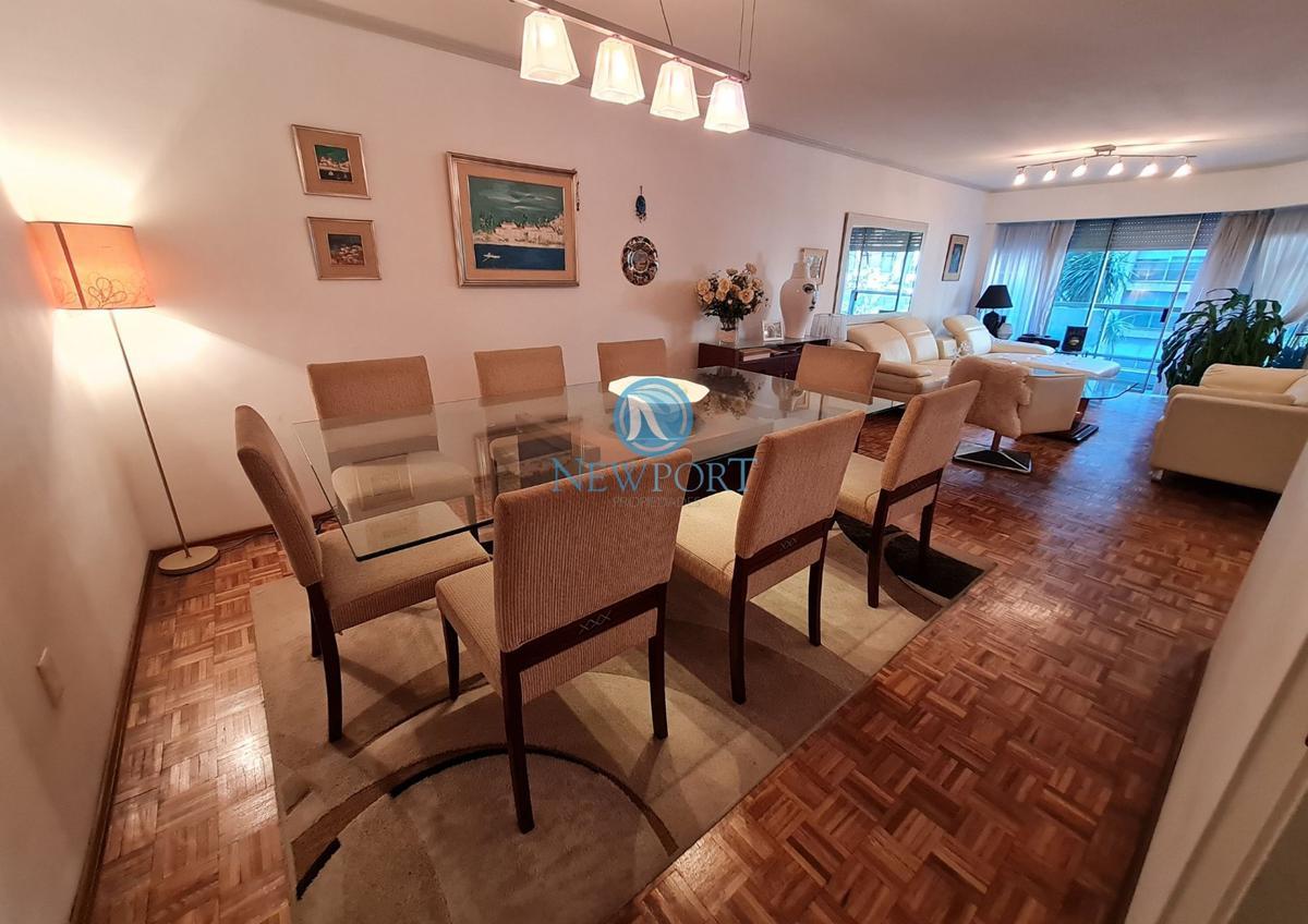 Foto Apartamento en Venta en  Pocitos ,  Montevideo  Av. Brasil al 3000