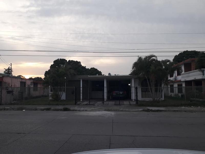 Foto Terreno en Venta |  en  Tihuatlán ,  Veracruz  TERRENO 800 M2 CON CONSTRUCCION EN VENTA