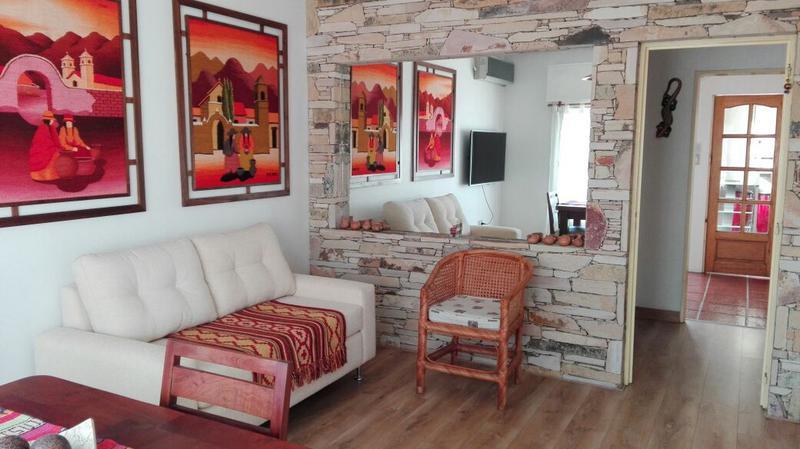 Foto Casa en Venta en  Castelar Sur,  Castelar  Becquer al 2000