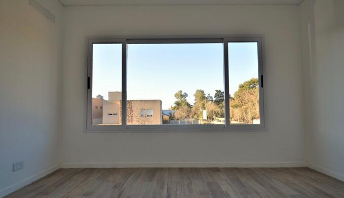Foto Casa en Venta en  Barrio Parque Leloir,  Ituzaingo  Segundo Sombra al 2300
