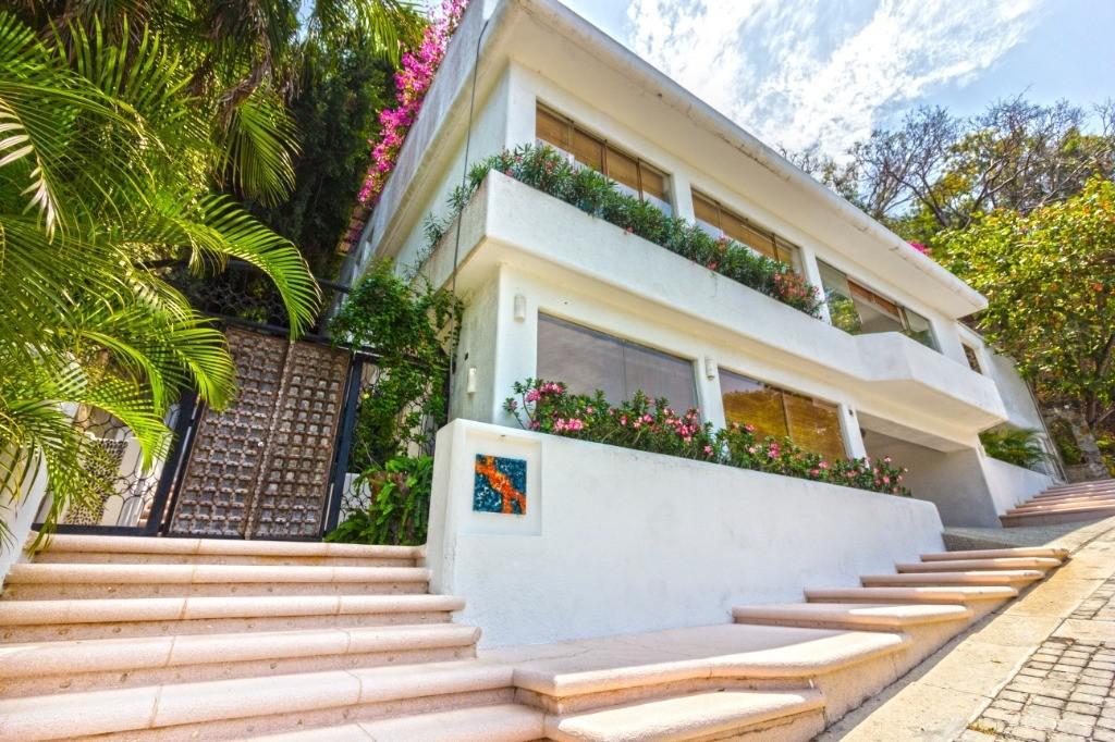 Foto Casa en Venta en  Fraccionamiento Las Brisas,  Acapulco de Juárez  Las brisas 2 Calle. Villa isabella