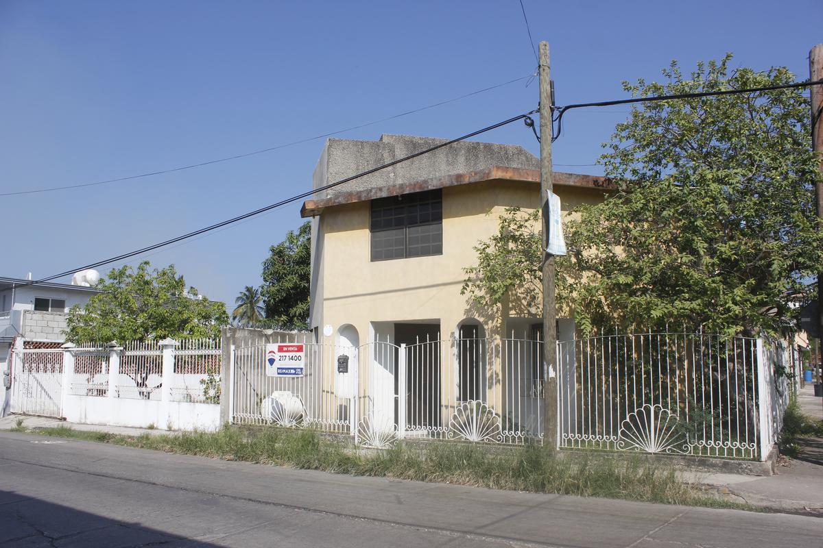 Foto Casa en Venta |  en  Del Valle,  Ciudad Madero  HCV3081-285 Prol. Sor Juana Ines de la Cruz Casa