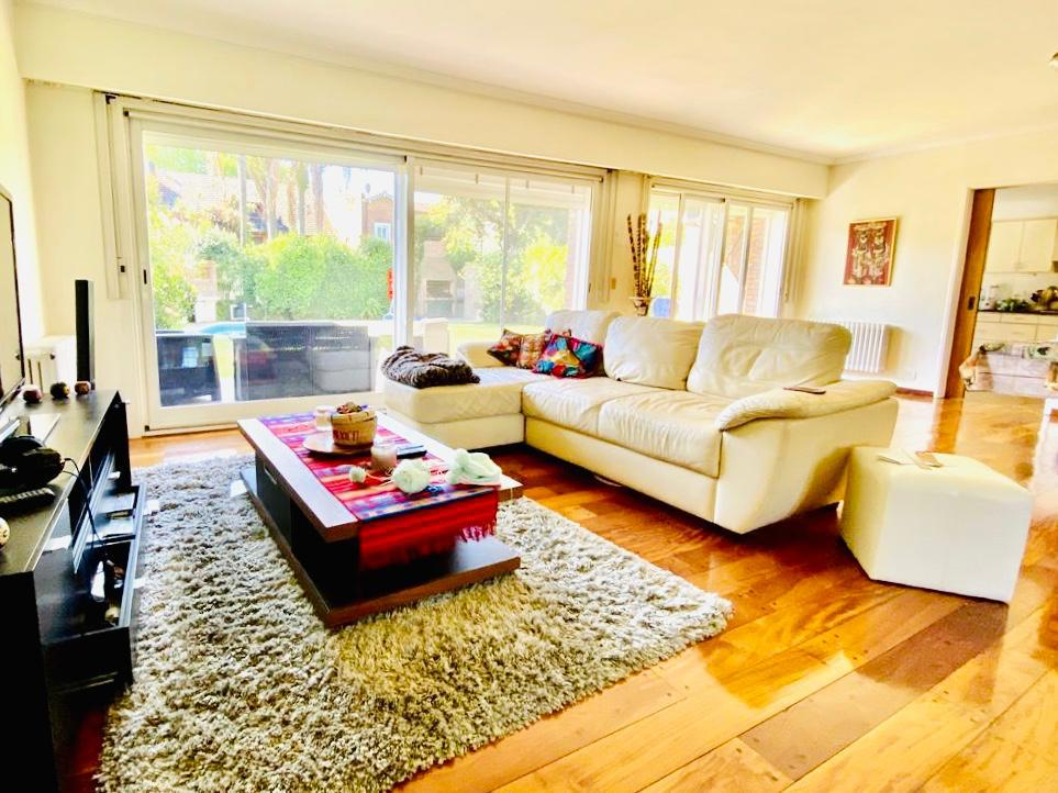 Foto Casa en Alquiler | Alquiler temporario en  Mart.-Vias/Libert.,  Martinez  PARANÁ AL 500