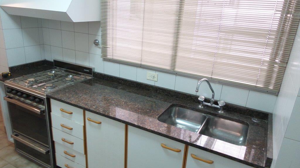 Foto Departamento en Alquiler en  Retiro,  Centro  Suipacha al 1200