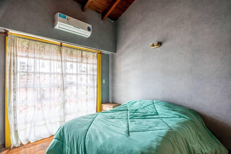 Foto Casa en Venta en  Parque Patricios ,  Capital Federal  Catulo Castillo al 2800