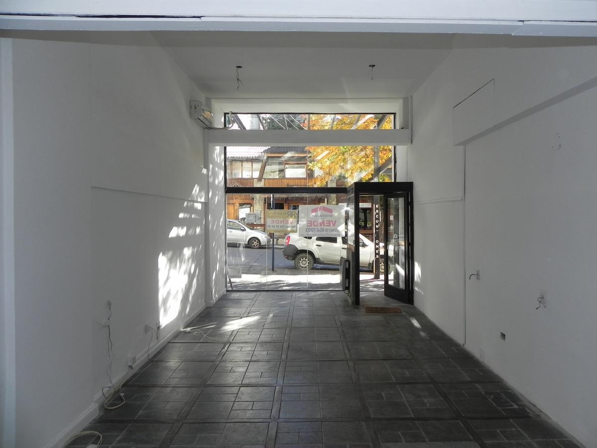 Foto Local en Venta en  Centro,  San Carlos De Bariloche  Quaglia al 100
