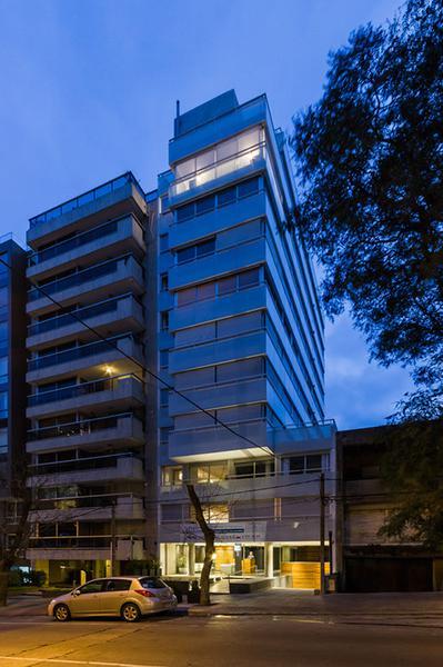 Foto Departamento en Venta | Alquiler en  Punta Carretas ,  Montevideo  A ESTRENAR CON GARAGE DOBLE Y CONEXIONES INC.