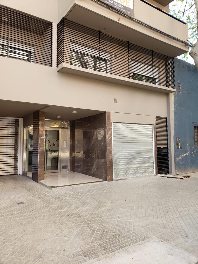 Foto Local en Venta en  Lourdes,  Rosario  CALLAO 1337
