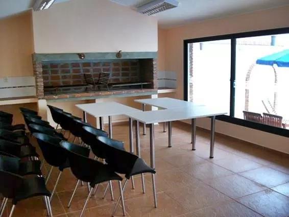 Foto Departamento en Venta en  Malvín ,  Montevideo          Frente al mar, piso 12, apartamento  sobre rambla Malvín con garaje