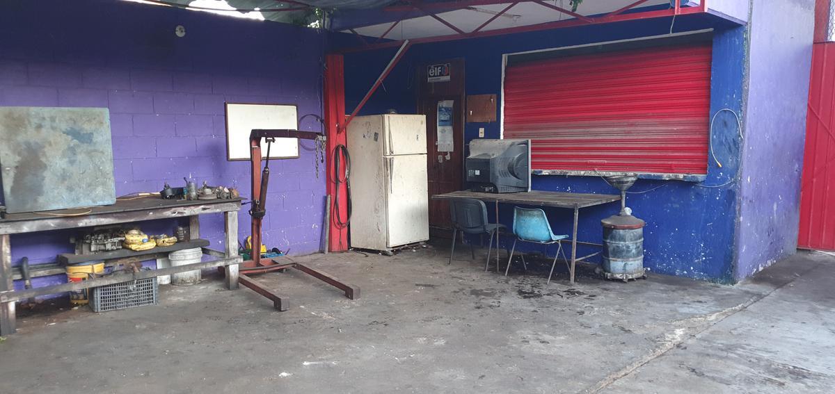 Foto Local en Venta en  Chetumal ,  Quintana Roo  Local Comercial, Taller Mecánico listo para funcionar en Chetumal