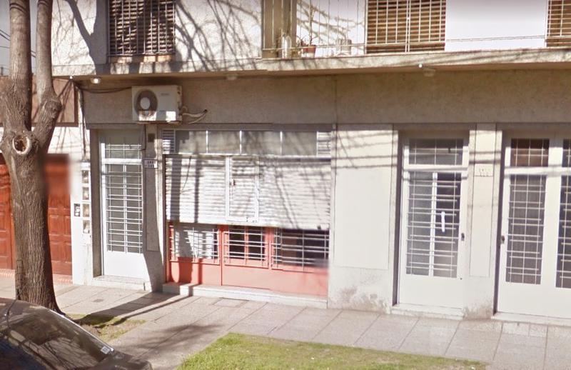 Foto Local en Alquiler en  Moreno,  Moreno  Local - Independencia al 300 - Lado norte