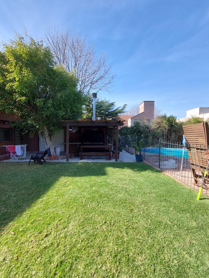 Foto Casa en Venta en  Las Lomas-Horqueta,  Las Lomas de San Isidro  Eliseo Reclus  1600- La Horqueta