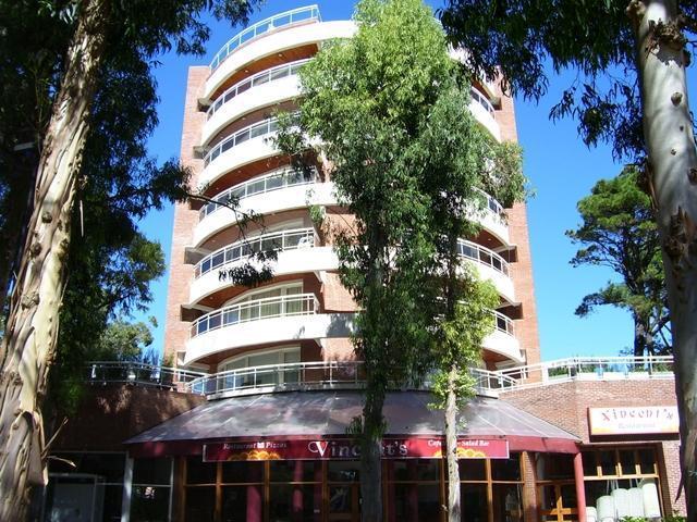 Foto Departamento en Venta en  Centro,  Pinamar  Av. Bunge 520