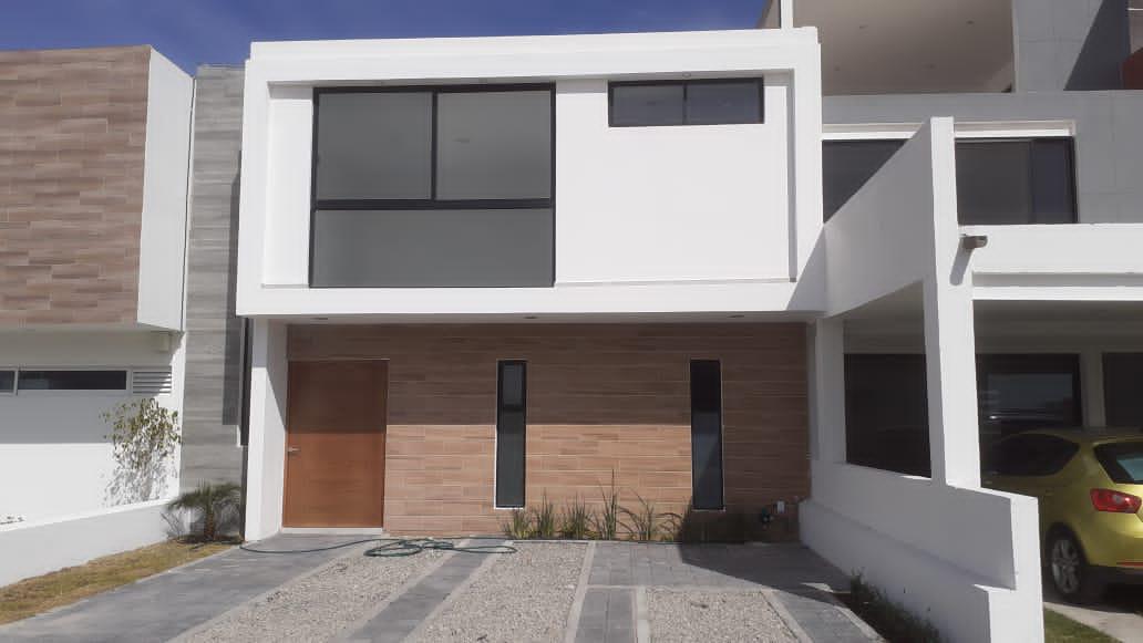 Foto Casa en Venta en  Fraccionamiento Grand Preserve,  Querétaro  VENTA CASA NUEVA FRACC . GRAND PRESERVE JURIQUILLA QRO. MEX.