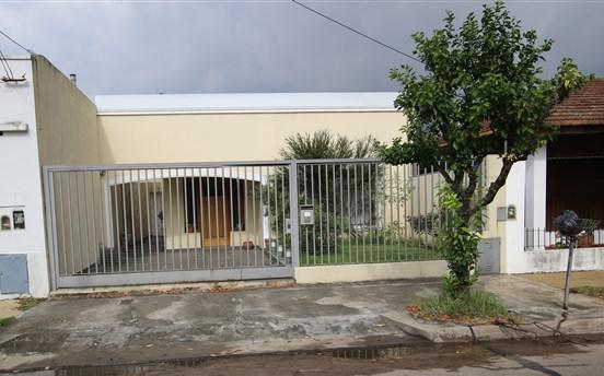 Foto Casa en Venta en  Martinez,  San Isidro  Córdoba al 900
