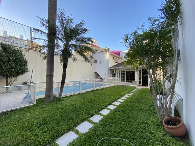 Foto Casa en Venta en  Centro,  Rosario  Santa Fe al 2400