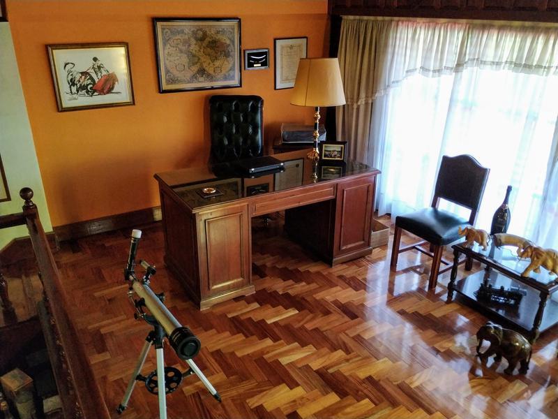 Foto Edificio Comercial en Venta en  Burzaco Oeste,  Burzaco  Av. Hip Yrigoyen