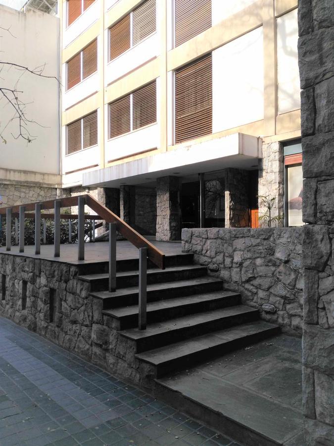 Foto Oficina en Alquiler en  Nueva Cordoba,  Capital  Buenos Aires al 700