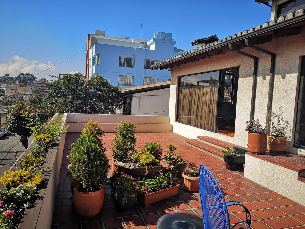 Foto Casa en Venta en  El Pinar,  Quito  UNION NACIONAL