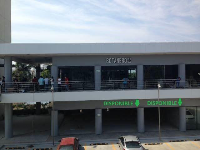 Foto Local en Renta en  Guadalupe,  Tampico  Local en RENTA en PLAZA ESMERALDA Tampico Tamps