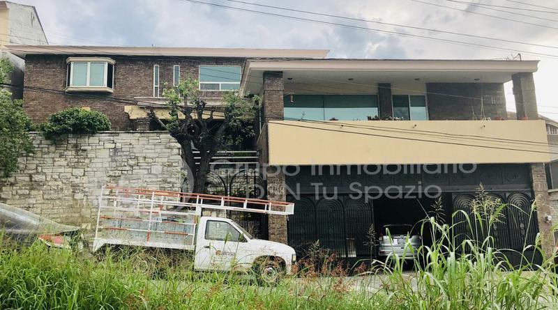 Foto Casa en Venta en  Contry,  Monterrey  CASA CON ALBERCA EN VENTA MONTERREY CONTRY LA SILLA