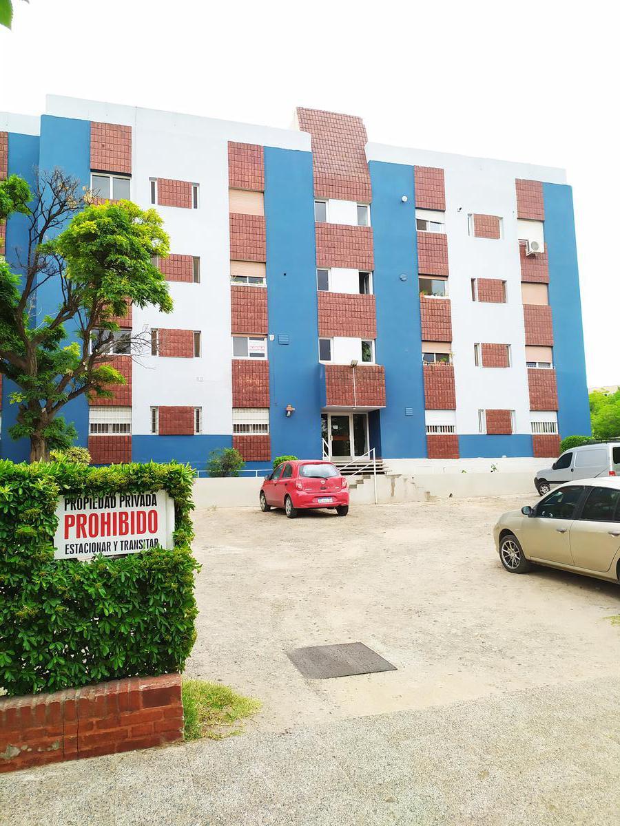 Foto Departamento en Alquiler en  Capital ,  Neuquen  Matheu 11