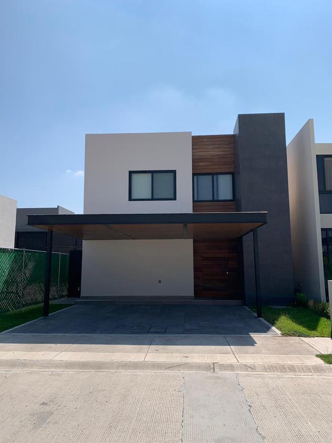Foto Casa en Renta en  Celaya ,  Guanajuato  RENTA CASA EN CONDOMINIO CASA MAGNO CELAYA GTO.