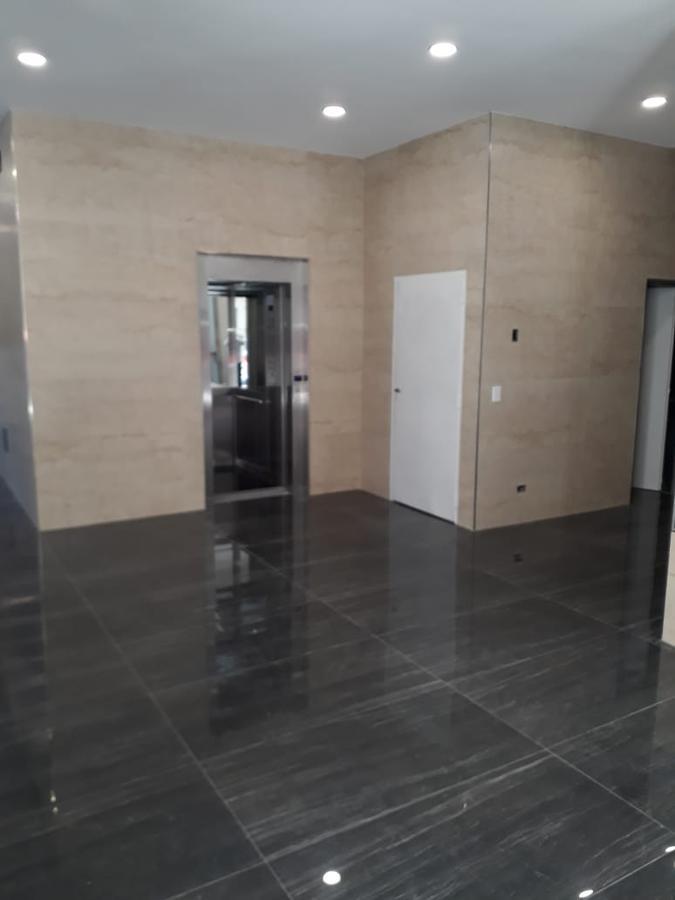 Foto Departamento en Venta en  Avellaneda,  Avellaneda  Ameghino 855, Piso 5º, Depto. A