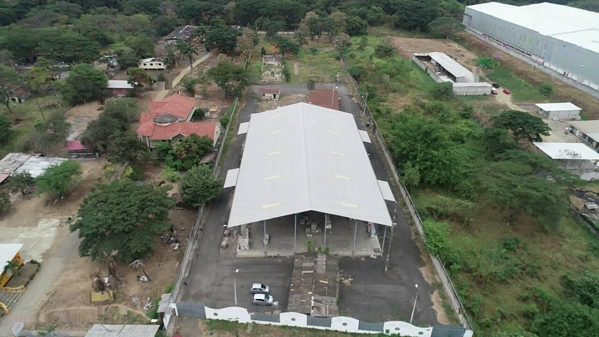Foto Bodega en Venta en  Norte de Guayaquil,  Guayaquil  Via Daule