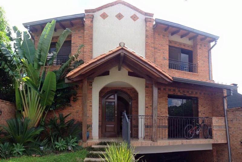 Foto Casa en Alquiler en  Luis A. de Herrera,  La Recoleta  Zona Herrera