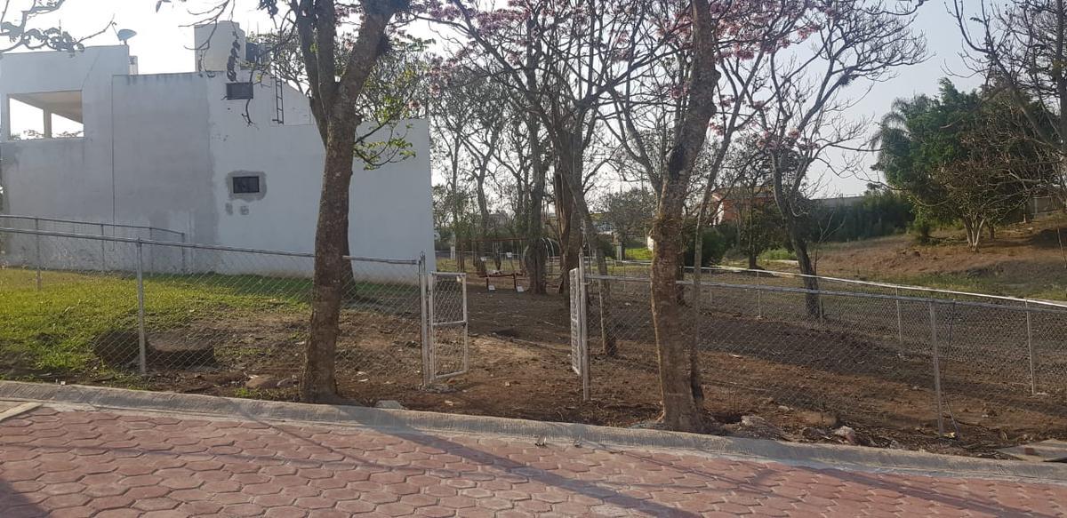 Foto Terreno en Venta en  Pueblo Dos Ríos,  Emiliano Zapata  TERRENO EN VENTA EMILIANO ZAPATA VER, FRACC. CAÑADA DE DOS RIOS L7MB AREA VERDE