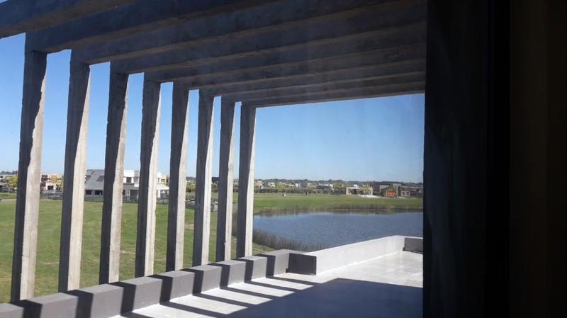 Foto Casa en Venta en  Marinas,  Puertos del Lago  Puertos del Lago - Marinas Lote 42